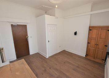 Thumbnail Room to rent in Flora Lodge, Glenfield Road East, Leicester