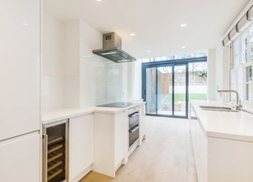 Thumbnail 3 bed town house to rent in Cloudesley Road, London