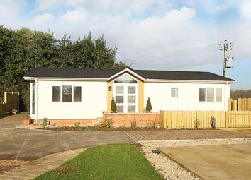 Thumbnail 2 bed mobile/park home for sale in Bramley New Park, Marsh Lane, Sheffield, Derbyshire