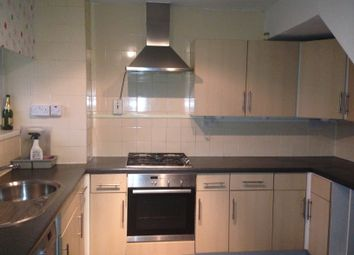 Thumbnail 4 bed maisonette to rent in Broomfield Street, London