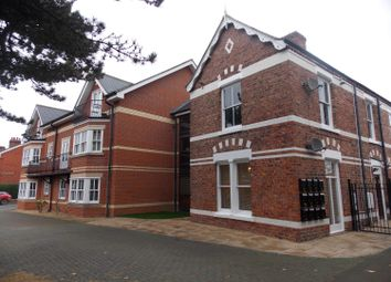 2 bed flat to rent in Belgravia Gardens, Middlesbrough TS5