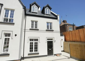 3 bed end terrace house to rent in West Cliff Road, Ramsgate CT11