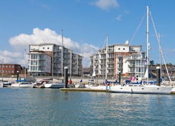 Thumbnail 2 bedroom flat for sale in Medina Road, Cowes