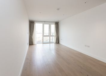 Thumbnail 2 bed flat to rent in Kew Bridge, Brentford