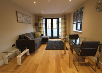 Thumbnail 1 bed flat to rent in Weldale Street, Reading