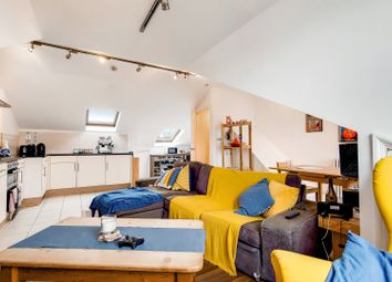 Hargrave Road, London N19. 2 bed flat