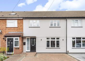 Roseberry Gardens, Upminster RM14. 3 bed terraced house