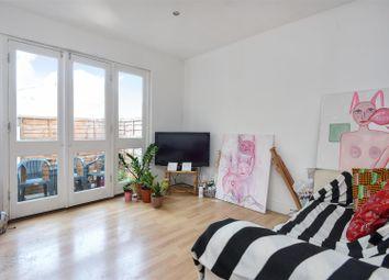 Thumbnail 4 bed mews house to rent in Garratt Lane, London