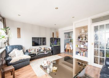 Thumbnail 2 bedroom maisonette for sale in Snowshill Rd, London