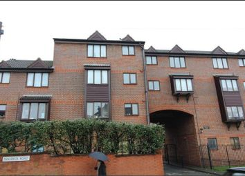 Thumbnail 2 bed flat to rent in Waldeck Road, Luton