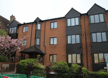 Thumbnail 2 bed flat to rent in Granville Road, Sevenoaks
