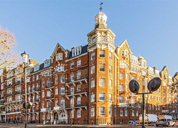 Thumbnail 3 bed flat to rent in Campden Hill Road, London