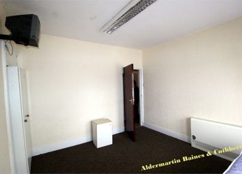 Thumbnail 2 bed flat to rent in Green Lanes, Haringey, London