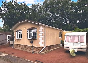 Thumbnail 3 bed mobile/park home for sale in Sycamore Crescent, Radley, Abingdon