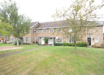 3 bed property to rent in Ecob Close, Guildford GU3