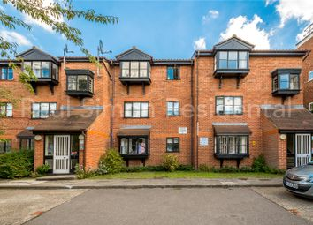 1 bed flat for sale in Warwick Gardens, London N4