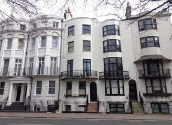 Thumbnail 1 bed flat to rent in Grand Parade, Brighton