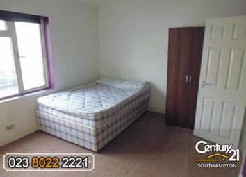 Thumbnail 3 bedroom flat to rent in Onslow Road, Southampton