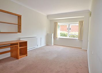 1 bed flat for sale in Milford Road, Pennington, Lymington SO41