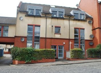 Thumbnail 2 bed flat to rent in Kings Court, Hill Street, Alloa