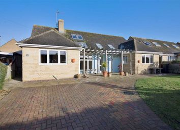 Thumbnail 3 bed detached bungalow to rent in Stonesfield Road, Combe, Witney