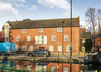 Thumbnail 2 bed flat for sale in South Street, Bourne