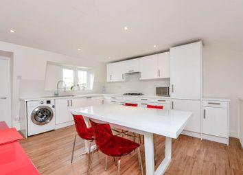 3 bed maisonette to rent in Rigault Road, London SW6