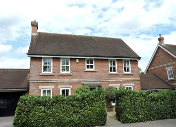 4 bed detached house to rent in Giffard Way, Guildford GU2