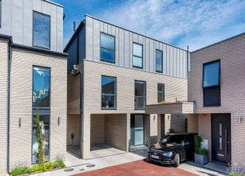 Thumbnail 5 bed detached house for sale in Yew Tree Close, Muswell Hill, London