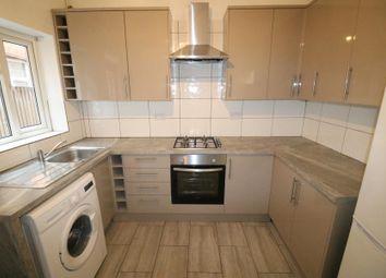 2 bed maisonette to rent in Lansdowne Road, Tottenham N17