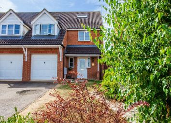 4 bed property for sale in Clover End, Buckingham MK18