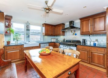 2 bed maisonette for sale in Littlefield Close, Islington N19