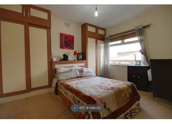 3 bed semi-detached house to rent in Forest Road, London E17