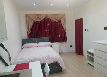 Thumbnail Studio to rent in Abbotswood Gardens, Clayhall, Ilford