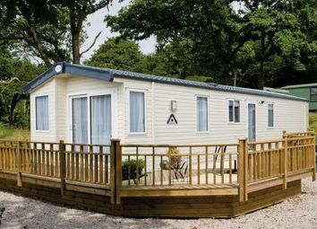 Thumbnail 2 bed mobile/park home for sale in East Bergholt, Colchester