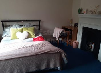 4 bed terraced house to rent in King Street, Rochester, Medway ME1