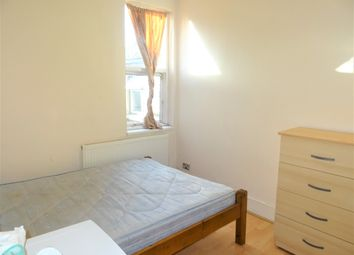 Thumbnail 2 bed flat to rent in Leytonstone, London