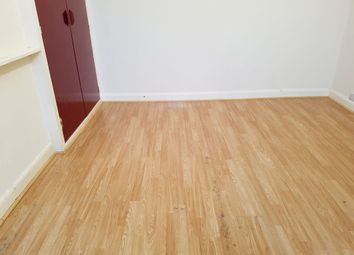 Thumbnail 4 bedroom flat to rent in Fillebrook Avenue, Enfield