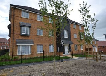 Thumbnail 2 bedroom flat to rent in Kestrel Way, Didcot, Oxfordshire