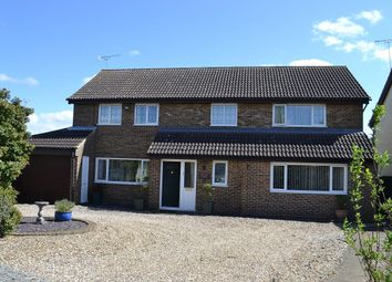 Thumbnail 5 bedroom detached house for sale in Lincoln Close, Bishop's Stortford