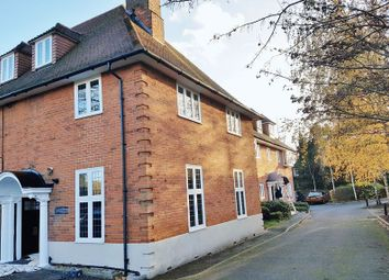 Thumbnail 1 bed flat to rent in London Road South, Merstham, Redhill