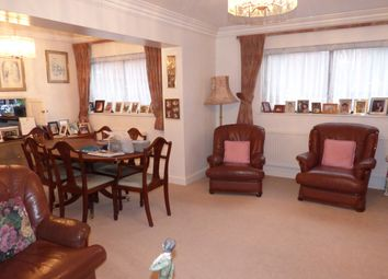 Thumbnail 2 bed flat to rent in Spencer Close, Regents Park Road, Finchey Central