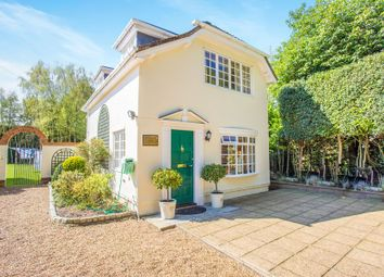 Thumbnail 1 bed cottage to rent in Cross Road, Sunningdale, Ascot