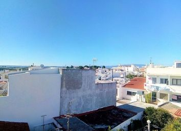 Thumbnail 4 bed villa for sale in Portugal, Algarve, Alvor