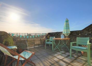 Goring Road, Goring-By-Sea, Worthing BN12. 2 bed flat for sale