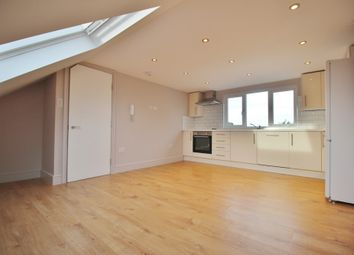 Thumbnail 3 bedroom flat to rent in Oakleigh Road North, Whetstone, London