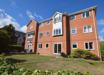 Thumbnail 2 bed flat for sale in Willow Road, Aylesbury