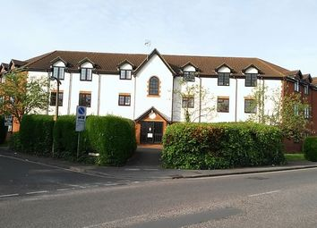 Thumbnail 2 bedroom flat for sale in Cromwell Road, Letchworth Garden City