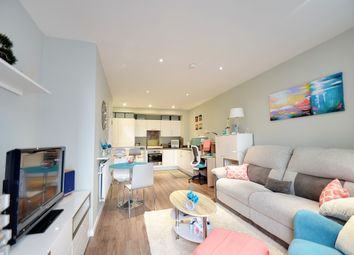 Alie Street, London E1. 1 bed flat