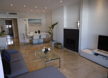 Thumbnail 2 bed apartment for sale in Calle Lima, Estepona, Málaga, Andalusia, Spain